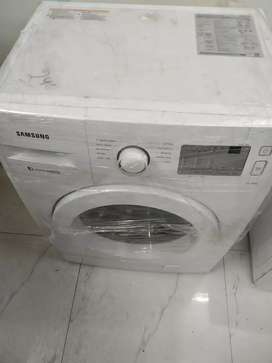 Samsung washing machine front loaded full automatic 6.5kgwith warranty