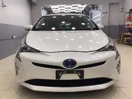 Toyota prius on easy installment