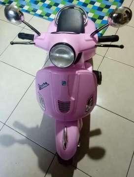 vespa anak pink kelengkapan charger