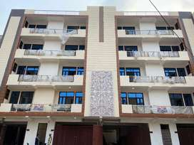Ready to Move 3Bhk builder flat in Hans Enclave Sector-33 Gurgaon