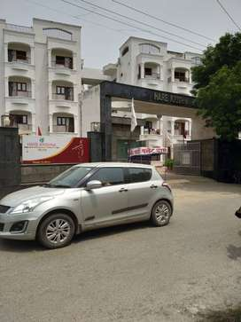 1 BHK FLAT AVAILABLE WITH ALL FACILITIES IN VRINDAVAN