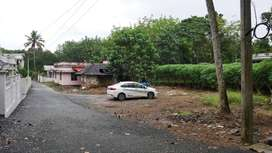 KOCHINPROPERTIES-Kuruppumpadi house plots 8,10,15,20cents AM Road 1 km