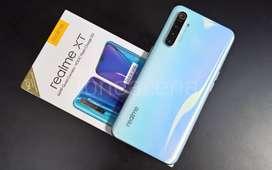 Realme XT 4 gb 64 gb pearl white @15500