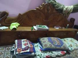 Double bed king size shaguan bed  8 months used 42000