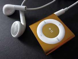 Apple i pod Shuffle 4gen Gold in good working condition