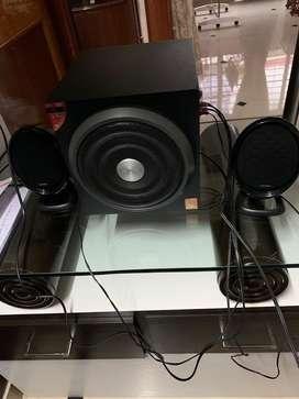 Speaker 2.1  f&d brand