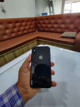I phone XS