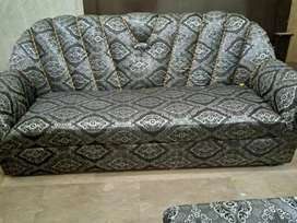 5 seater sofa For Salee
