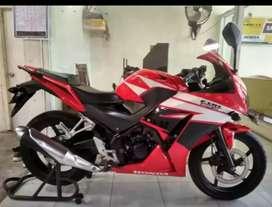 Honda CBR 150 tahun 2015 Bali dharma motor