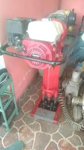 Sewa kompresor,genset,potong rumput,stamper,las listrik,Jack hammer
