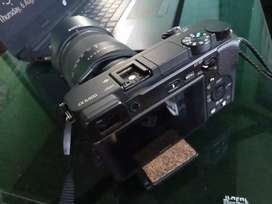 Sony 6400 4k With 18-135mm lens.2 sony original battery.