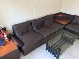 Dijual sofa kulit impor kondisi baik