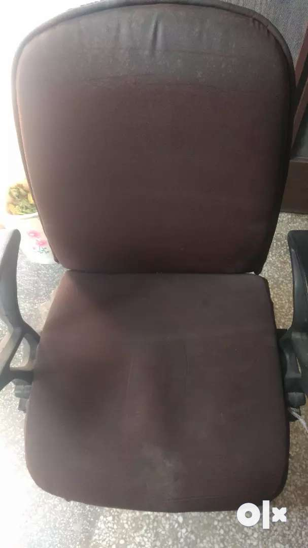 Office visitor chair 0