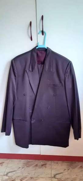 Men 2pc Suit Set- 9.sets.(Each 1100/ Rs.)