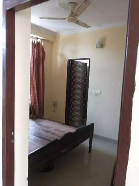 Fully furnished flat without ac