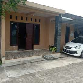 Rumah  minimalis di Sorowajan utara JEC