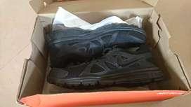 New in Box Nike Black Sports Shoe SIZE 10