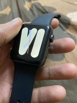 Apple watch series 3 42mm in warranty