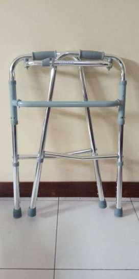 Alat bantu jalan tongkat walker tanpa roda merk SELLA