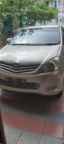 Toyota kijang innova G th.2009