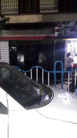Harish Mukherjee Road Near Harish Park 200 sqft Shop Rent 18K. No Fire