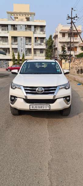 Toyota Fortuner 2.8 4X2 Manual, 2018, Diesel