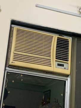 2ton window ac with very good condition