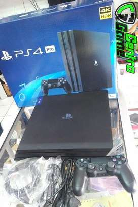 Playstation4 Pro 4K HDR 1TB firmware 5.05,Free Games,100% Worth It