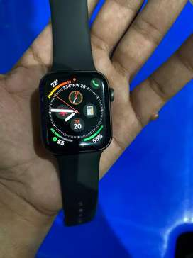 Selling my apple I Watch Series 5 44mm with GPS