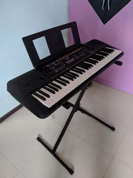 Yamaha Piano Keyboard 61 Keys with Stand & Cover
