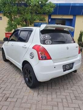 Suzuki swift 2010 manual putih mulus tinggal pake