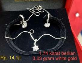 Perhiasan set berlian cincin anting liontin