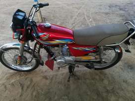 Honda 125 2018 khanewal reg in very good condition
