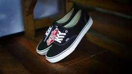 Sepatu Vans Authentic Black White Original 100% BNIB