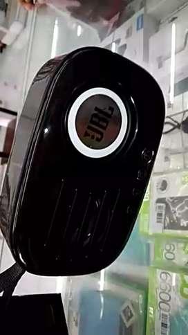Masuk lagi Speaker Bluetooth JBL CD 11 mega bass ready warna hitam