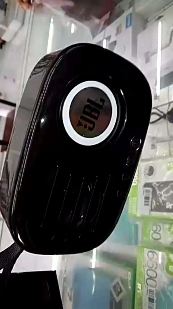 Masuk lagi Speaker Bluetooth JBL CD 11 mega bass ready warna hitam 0