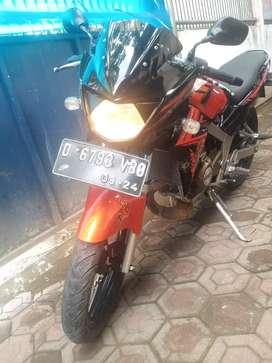 Kawasaki Ninja r 150 se