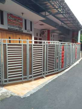Strategis di Lenteng Agung dekat Stasiun KRL & Tol, 2Lt 4KT 3KM Garasi