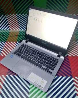 Laptop Asus A407M fullset barang mulus