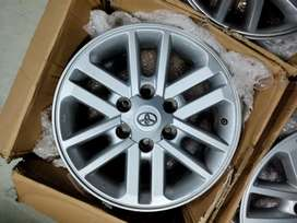 Fortuner 2015:model company alloys