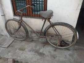 Good condition new tayar age piche dono