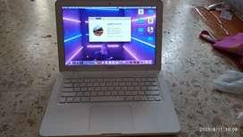 Macbook white 2009 akhir istimewa