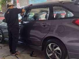 Pusat pemasangan kaca film mobil