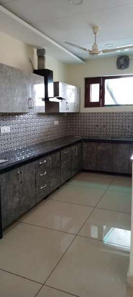 Owner free 4bhk ground floor furnish for rent in sector 44 chandigarh