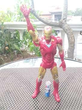 Iron Man buatan Hasbro Marvel 2013
