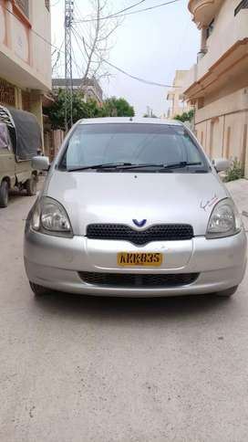 Toyota Vitz Model 2000 Reg 2006