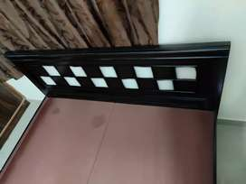 Only 2 months old queen size bed in best condition