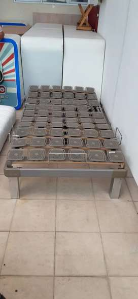 Tempur bed bases. Adjustable bed. Mesin ranjang tempur santai.
