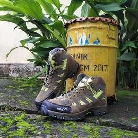 Sepatu gunung snta seri 486 green grey