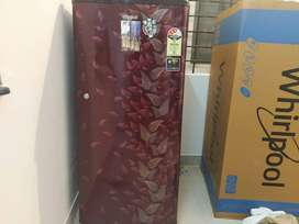 Whirlpool fridge in an excellent working condition.
